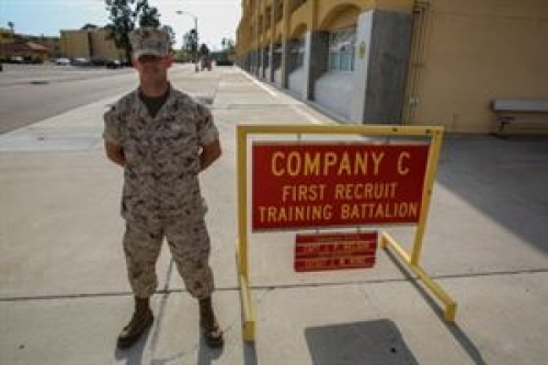 support our troops org decorated soldier becomes marine